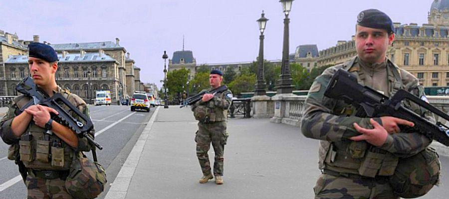US ARMY Mon travail protéger vos fesses embrasse pas il Militaire Veteran Pride tee-shirt Homme